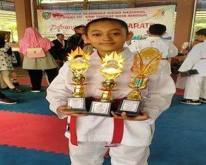Juara Umum Karate Putri